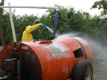 Applicator sprays equipment