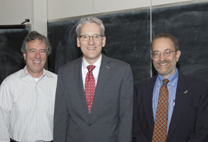 John Wiesman (center), with dean Howard frumkin at right and Professor thomas Burbacher at left.