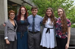 Photo of undergraduate students who presented their research.