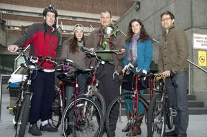 ride in the rain winning team (l to r): david Hardie, Susanna Wegner, Boris reiss, rachel Wood, and Chase Williams.