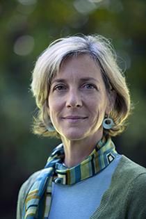 Headshot of Catherine Karr.