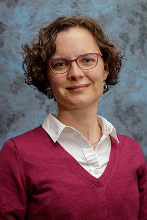 headshot of Rebecca Neumann